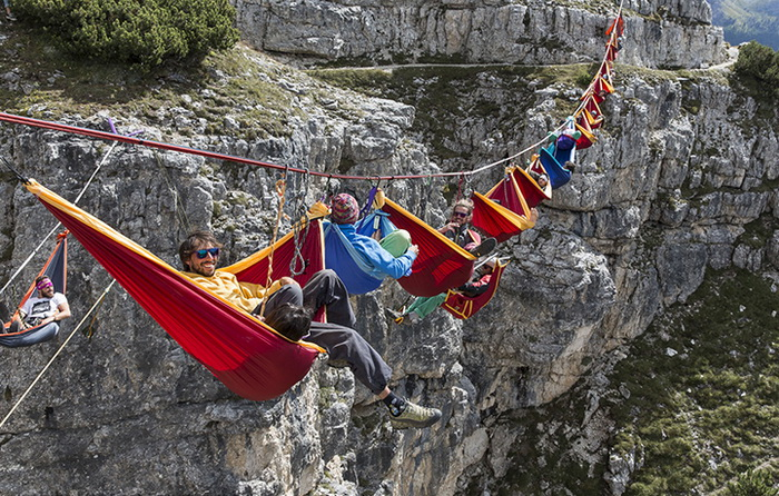 Around the World: International Highline Meeting - stay on top!