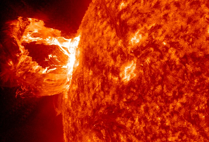 Solar flares: powerful activity will have negative impact on Earth
