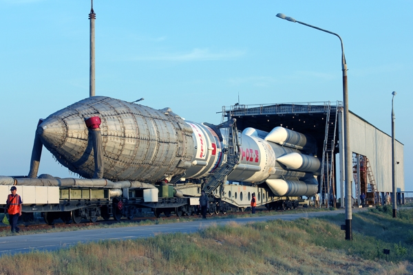Russia launches Proton rocket with Express-AM6 satellite