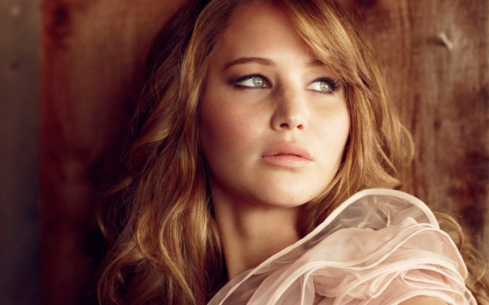 Jennifer Lawrence buys $ 7 million villa