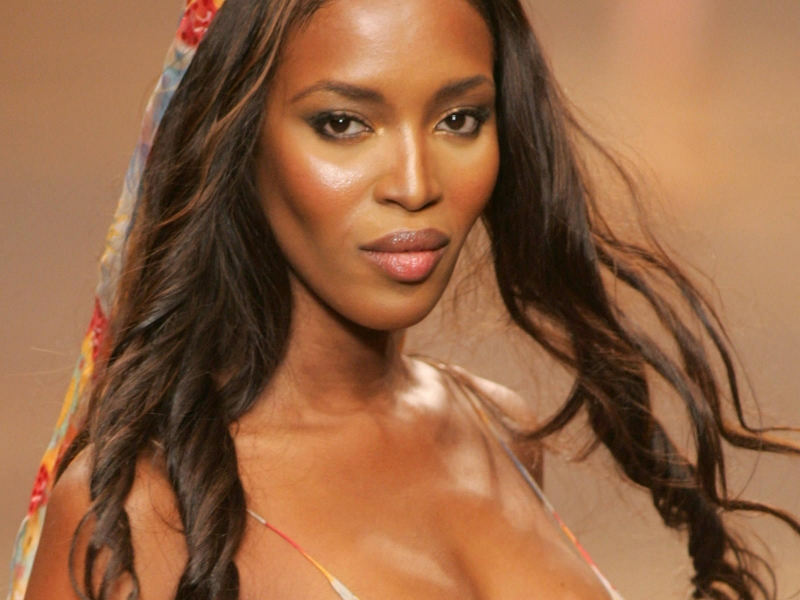 "Naomi Campbell ""on war path"" with Ebola"