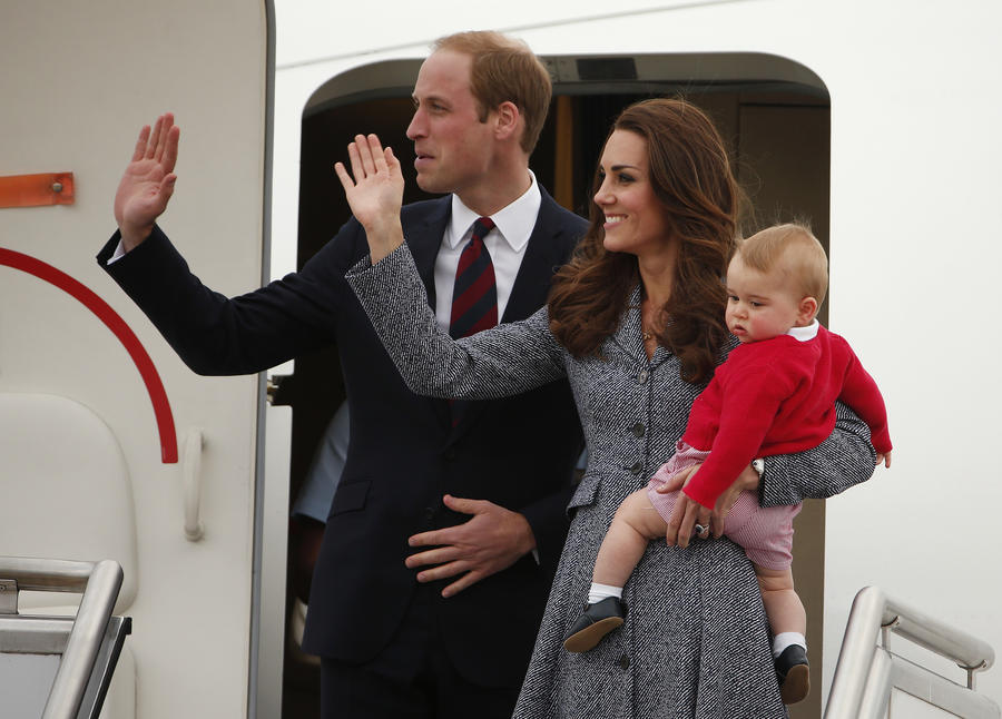 Duchess of Cambridge and Prince William publish a photo with the little heir to the throne