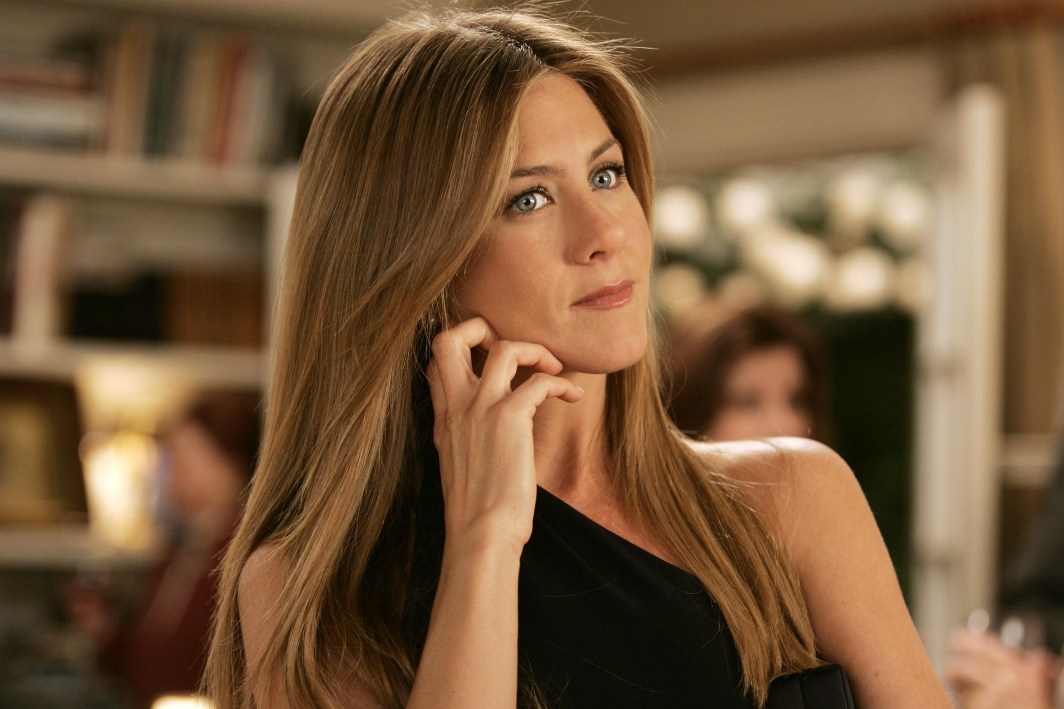 Jennifer Aniston angers fans by provocative photoshoot