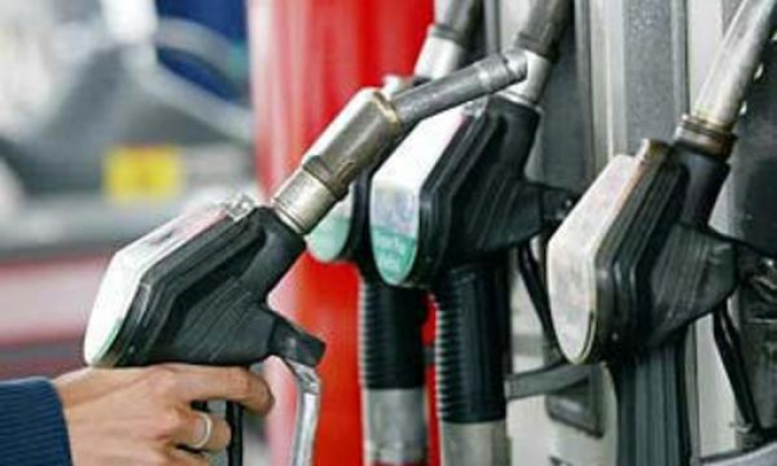 Belarus shuts off gasoline supplies to Russia