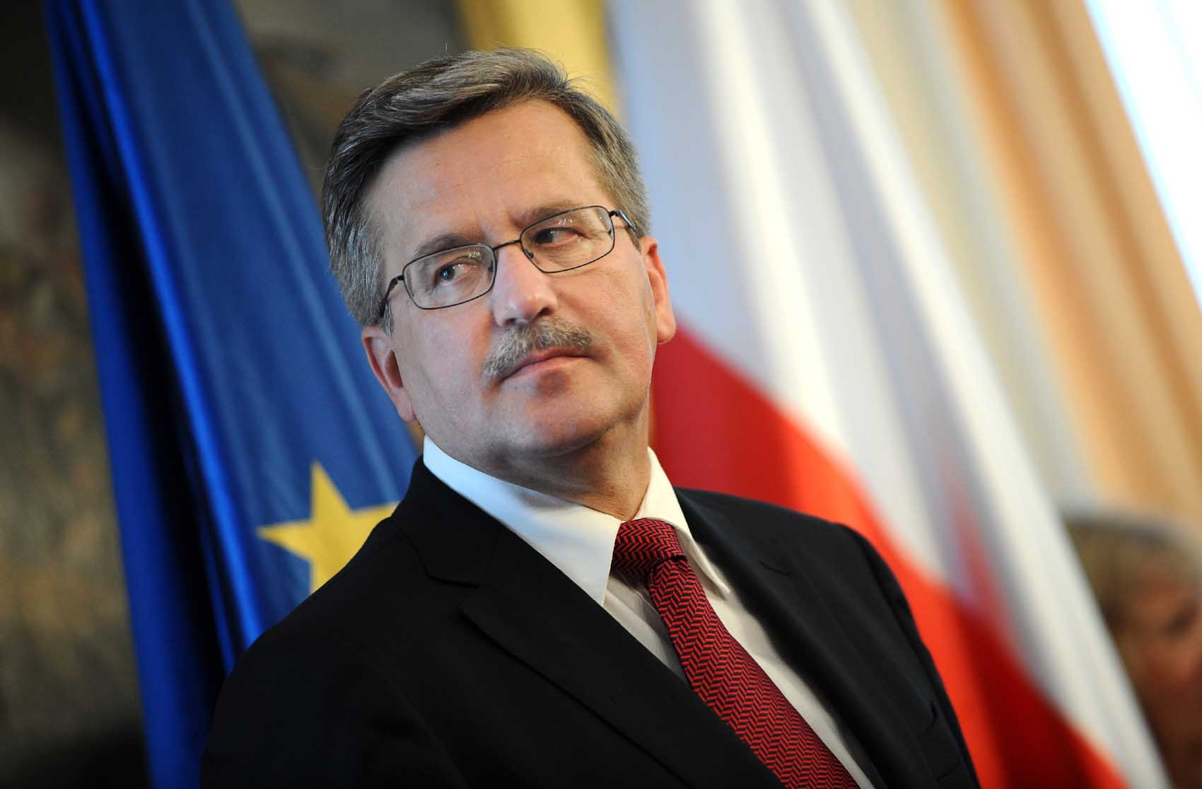 Komorowski to keep European door open for Ukraine