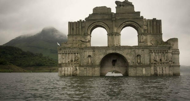 Temple emerged from the water in Mexico
