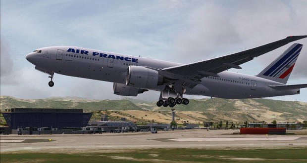 Two Air France flights from the US to Paris were diverted because of bomb threats