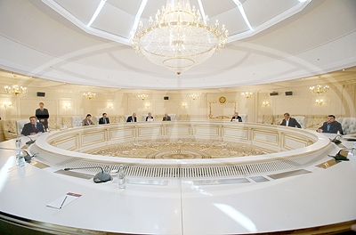 Political sub-group of the Trilateral Contact Group started negotiations in Minsk