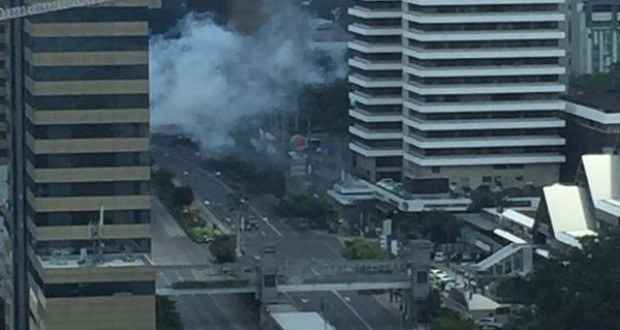Islamic State attacks Jakarta with multiple blasts and gunfire