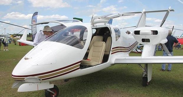Ukraine presented experimental four-seat plane at SUN 'n FUN Expo