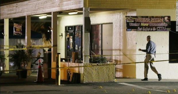 Fort Myers club shooting: 2 dead, 14 injured outside teen party