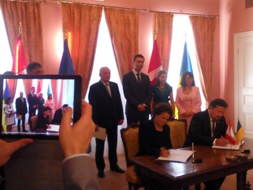 First memorandums under the new agreement signed