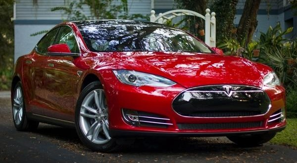 U.S. opens investigation in Tesla after fatal crash in Autopilot mode
