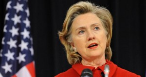 Wealthy Republicans campaign for Hillary Clinton