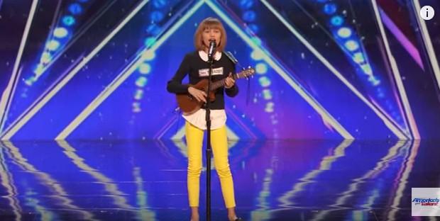 """America's Got Talent winner Grace VanderWaal performs on """"Today Show"""""""