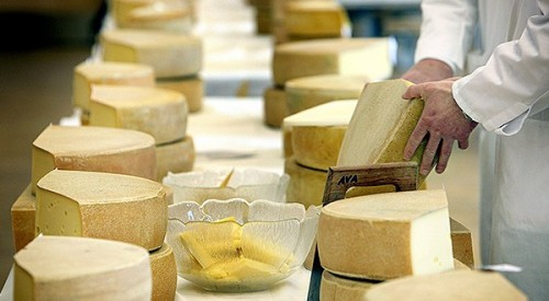 Research: Cheese lets you live longer