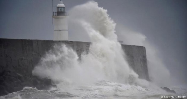 Storms lash western France, southern England