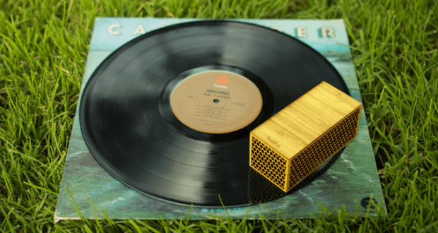 """""""Just add vinyl"""" - Now you can take your favorite records to a picknick"""