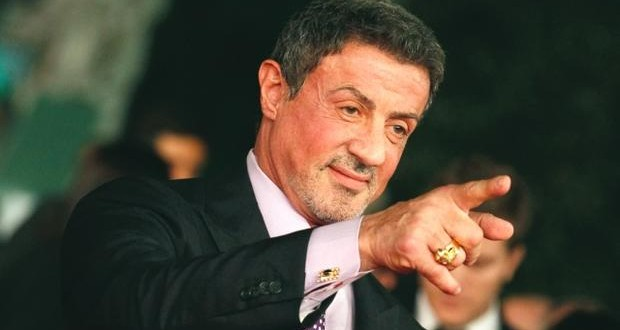 """Sylvester Stallone """"flattered"""" but will not take Trump arts post"""