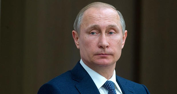 Vladimir Putin personally involved in US election hack – intelligence report