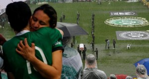 Chapecoense Real fans gather for memorial service at stadium