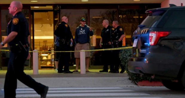 One dead, 5 injured in Texas mall shooting