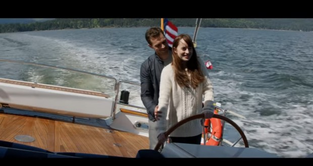 'Fifty Shades Darker' released extended trailer