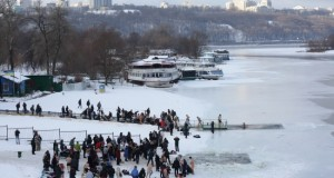 Epiphany in Ukraine: Bathing in icy waters in Kyiv filmed by quadcopter - video