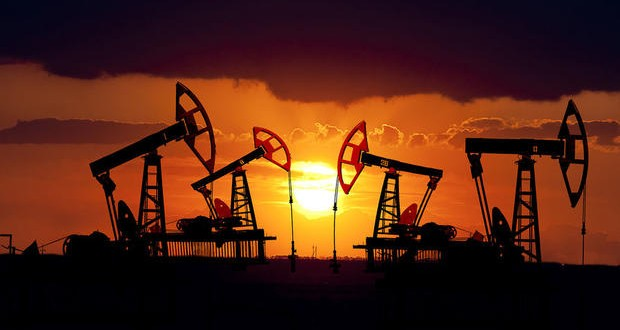 Saudi Arabia cut oil output to lowest in two years, predicts further decline