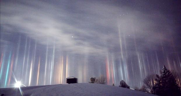 Watch amazing 'light pillars' phenomenon in Canada