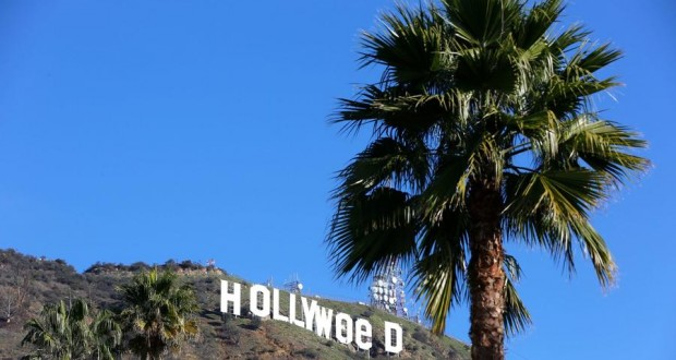 Hollywood sign altered to read 'Hollyweed'