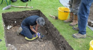 Archeologists discover 'posh' Roman houses under British city center park