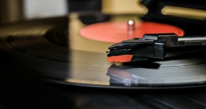 UK vinyl sales reach 25-year high