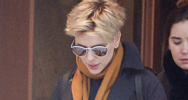 Scarlett Johansson seen without wedding ring after she splits from Romain Dauriac