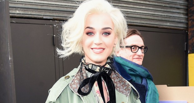 Katy Perry Spotted With Blond Bob at Marc Jacobs Fashion Show