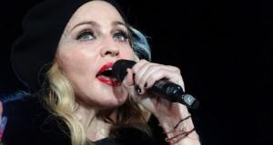 Watch Madonna's twin daughters sing 'Twinkle, Twinkle, Little Star'