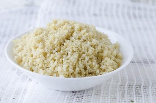 cooked-quinoa-bowl