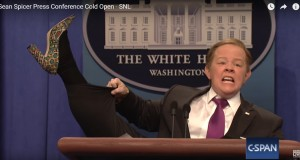 Melissa McCarthy Goes Ballistic On SNL To Slay Spicer Again