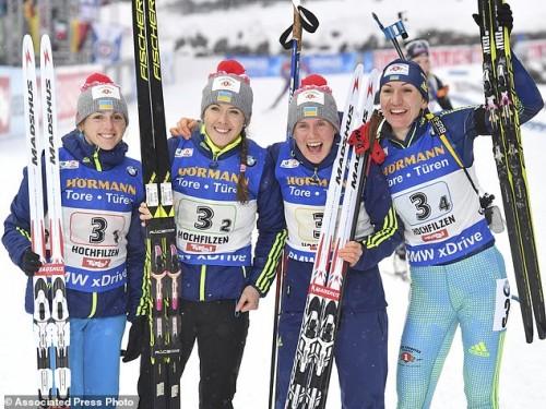 Ukraine's Iryna Varvynets, Yuliia Dzhima, Anastasiya Merkushyna and Olena Pidhrushna win silver. AP Photo/Kerstin Joensson