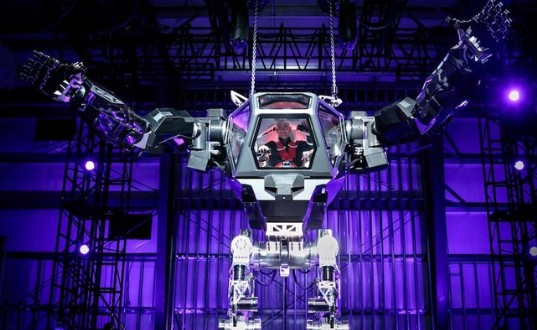 Watch Amazon CEO Jeff Bezos Control a Giant Mech Robot