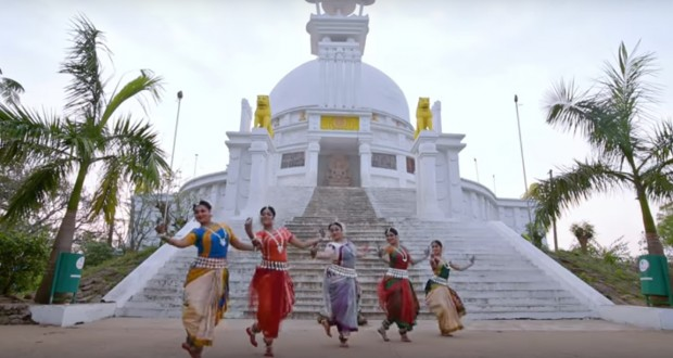 Indian classical dance cover of 'Shape of You' will mesmerize you