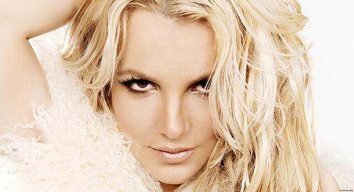 Britney Spears, Sam Asghari Rumored to Be Planning Summer Wedding