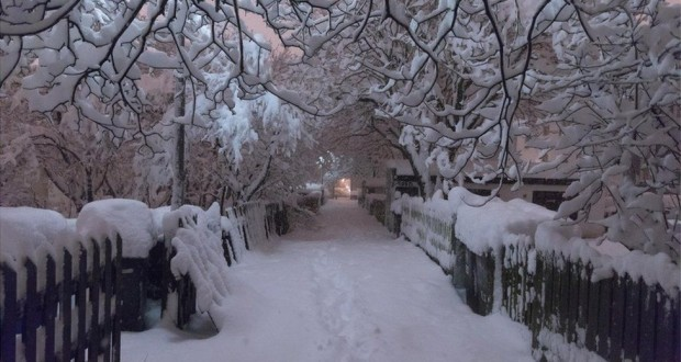 Iceland gets record-breaking snowfall and it looks amazing