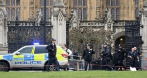 London attack: Woman dies in Westminster 'terror' incident