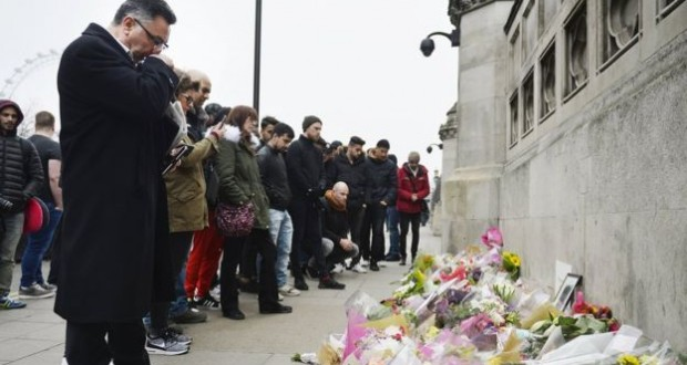London attack: Police appeal for information on Khalid Masood