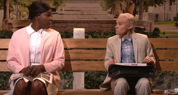 SNL: Kate McKinnon's Jeff Sessions sits bench with a box of chocolates as Forrest Gump