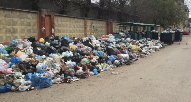 Trash talk: how beautiful, progressive Ukrainian city of Lviv became overrun with rubbish