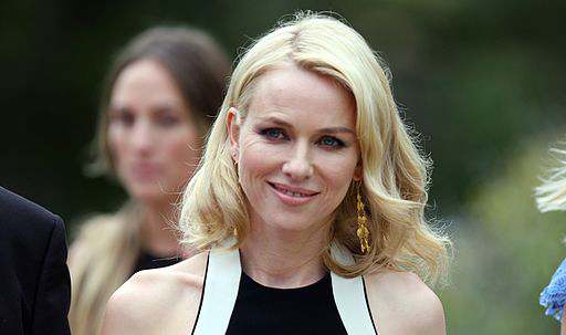 Naomi Watts gets revenge on fan who took sneaky picture of her on Subway in the best way possible