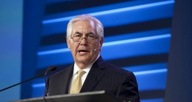 Syria war: Tillerson to urge Russia to stop supporting Assad