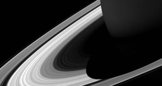 Cassini shows short shadow of Saturn